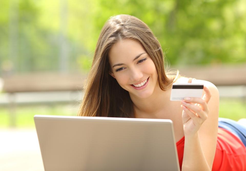 A un 34% de los españoles les hace felices poder comprar online