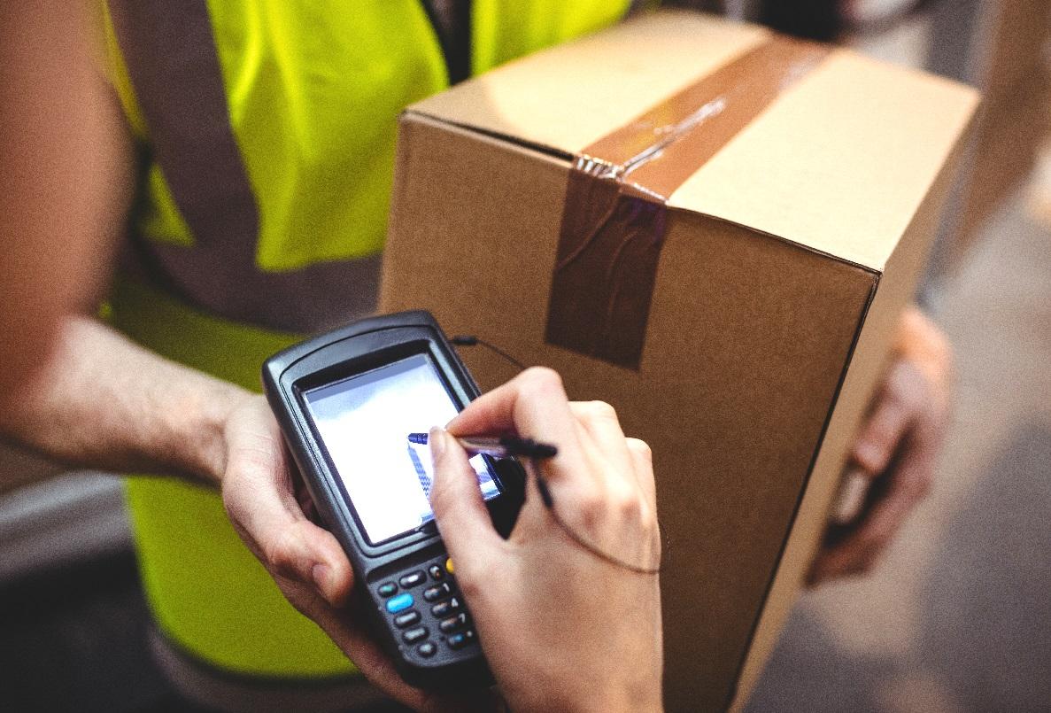 La paquetería y mensajería crecen más de un 4% en 2015