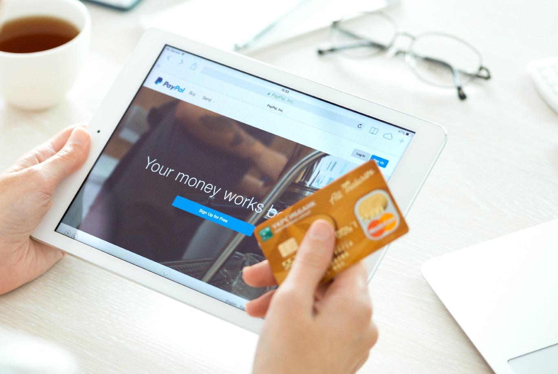 PayPal se alía con MasterCard para ampliar su presencia en las tiendas físicas