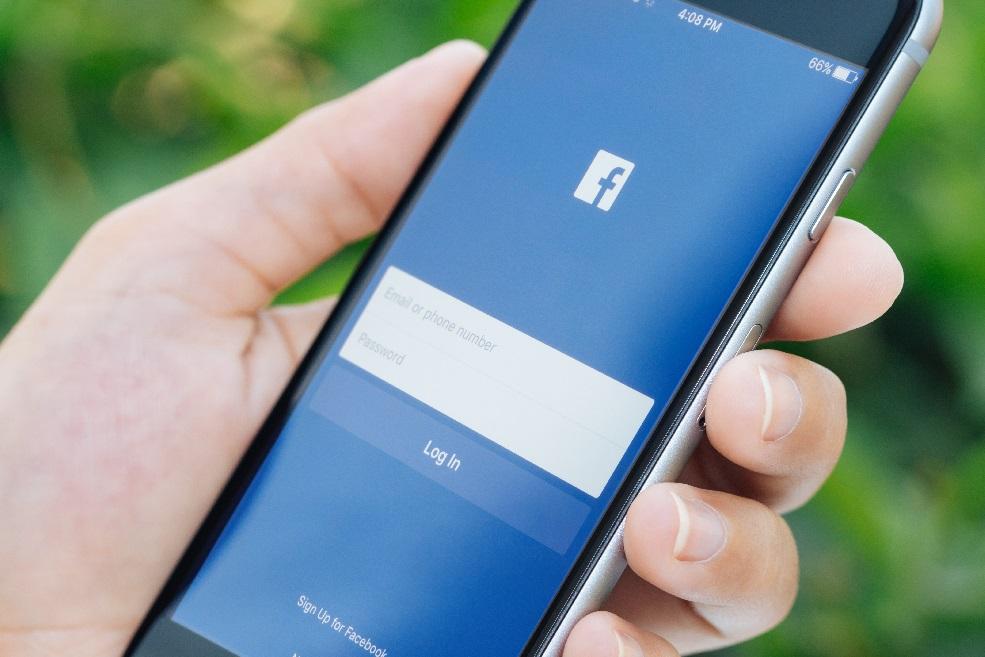Facebook comienza a probar su servicio de Internet a través de drones