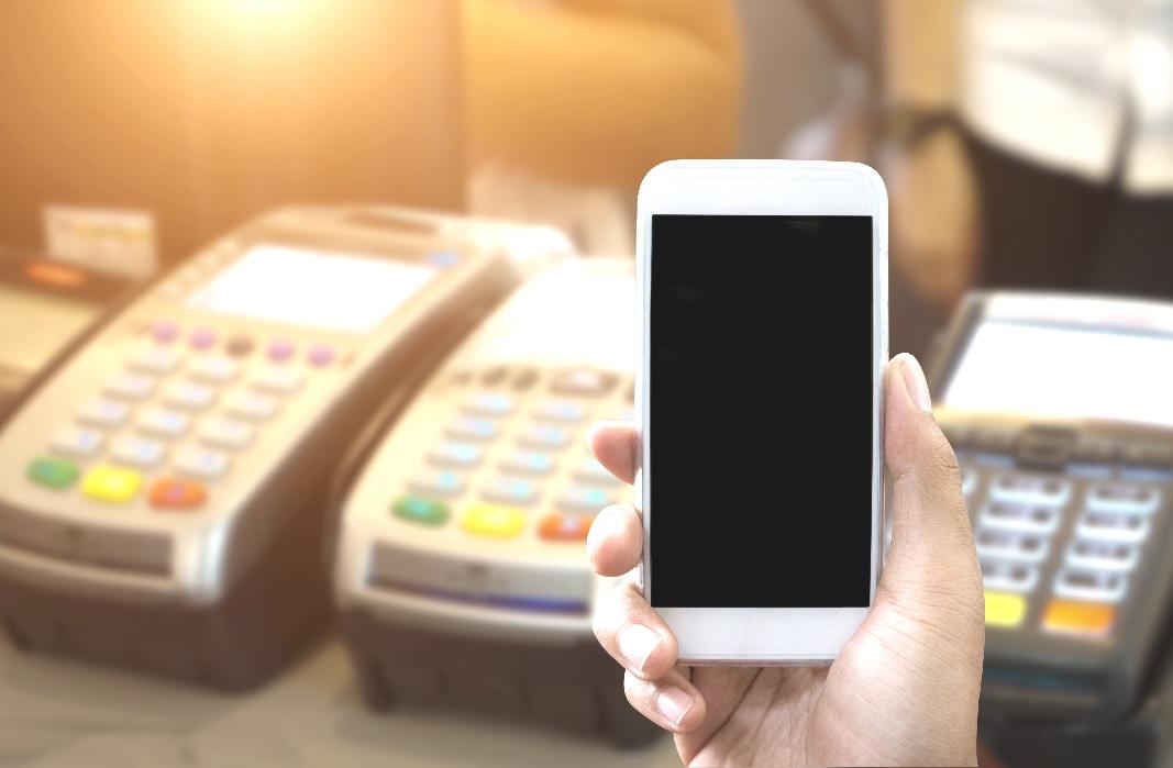 Un 72% de los españoles ya paga con dispositivos móviles