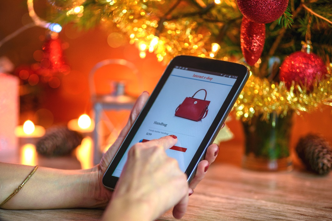 Las compras online de Navidad se harán de noche y con el móvil