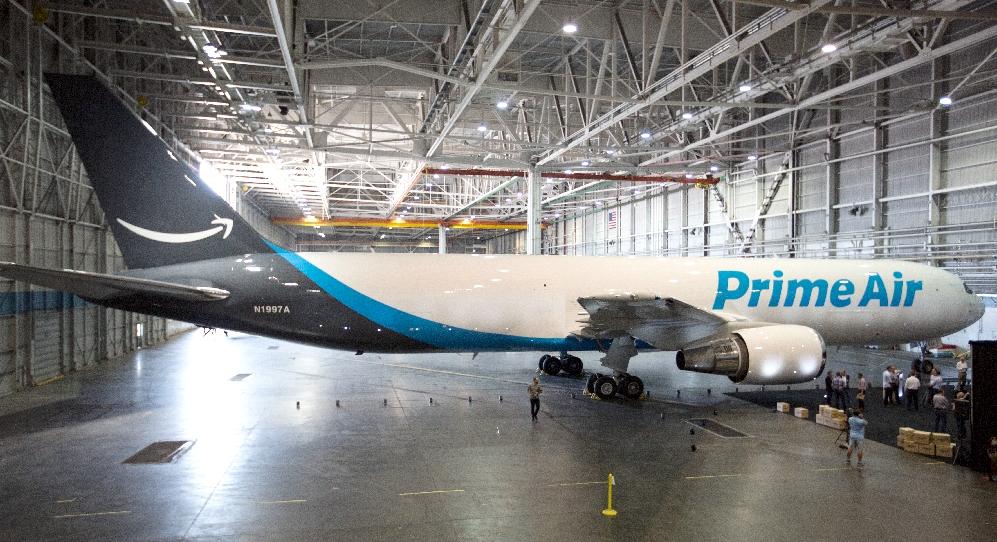 Amazon despliega su arsenal logístico aéreo