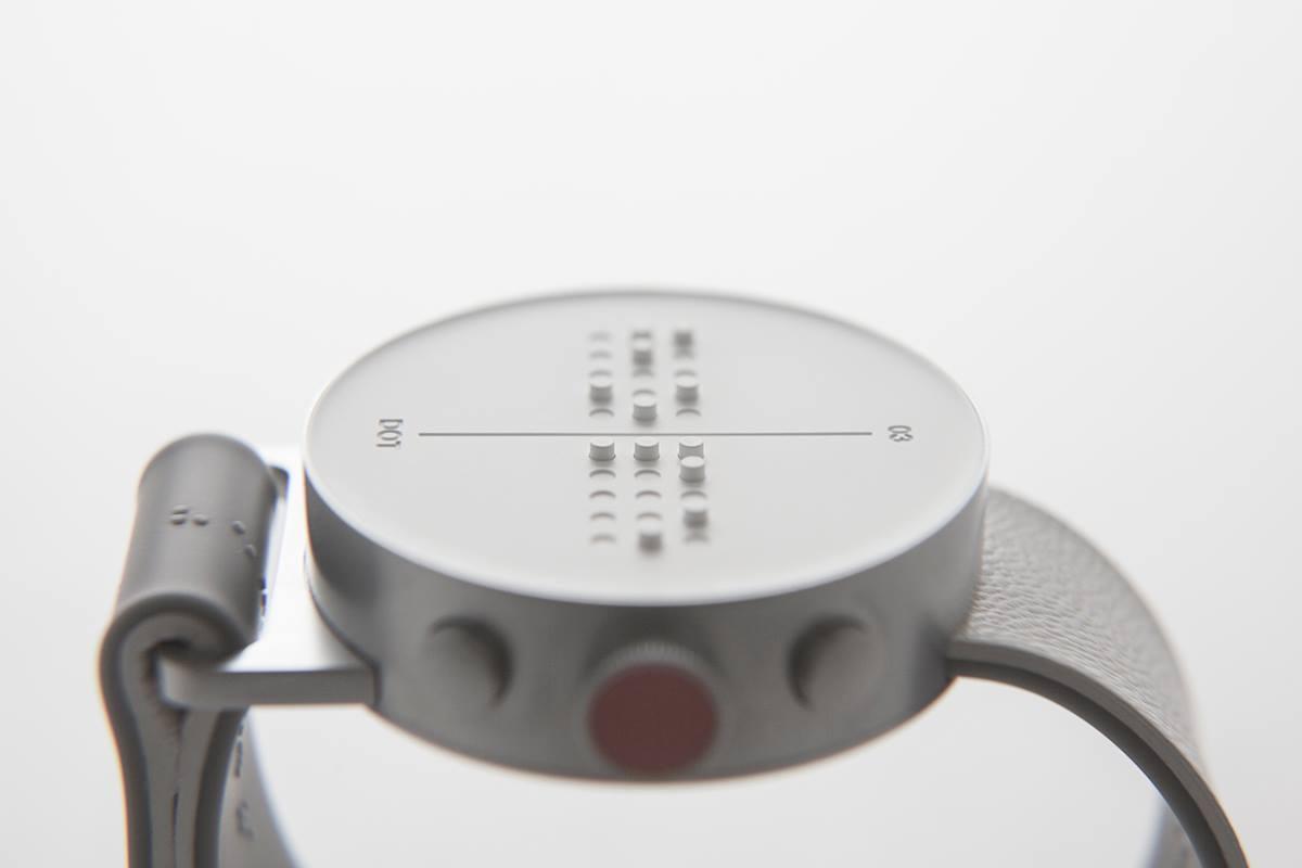 El primer smartwatch con sistema braille para ciegos es ya una realidad