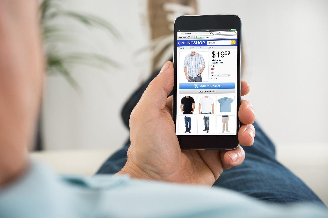 Los hombres realizan ya el 52% de las compras online de moda masculina