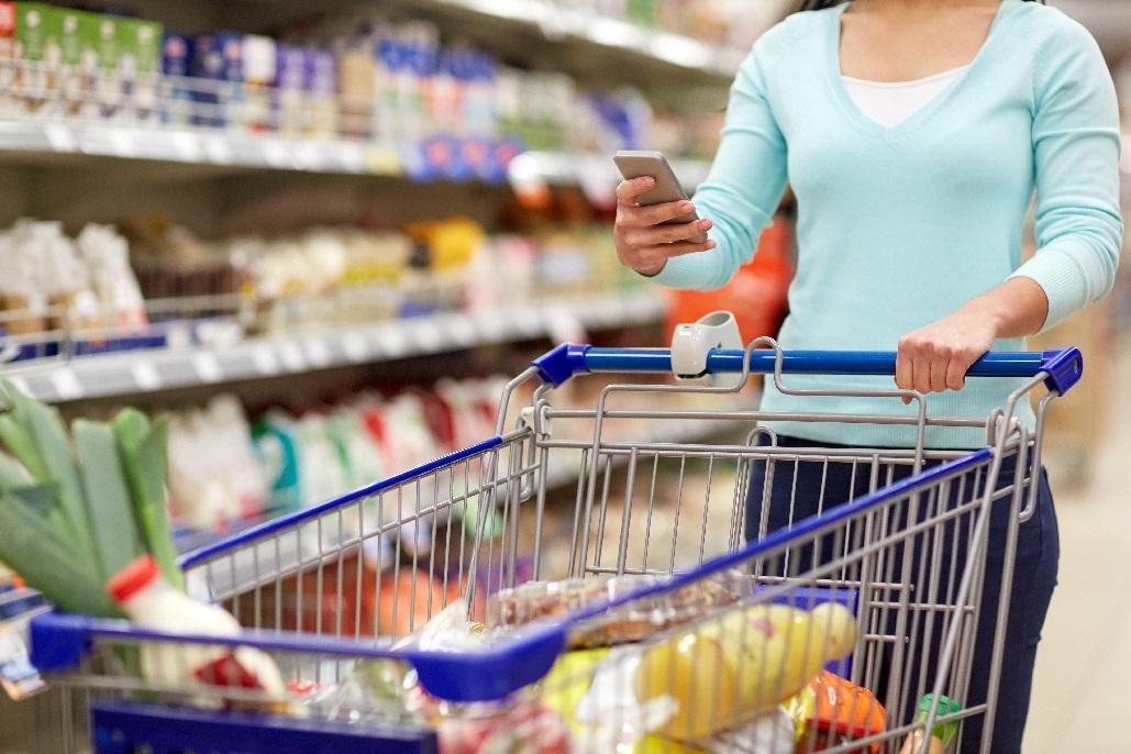 6 de cada 10 españoles combinan on y off en sus compras de alimentación