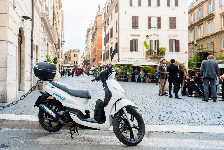 El tirón de la moto eléctrica, el nuevo transporte urbano de moda