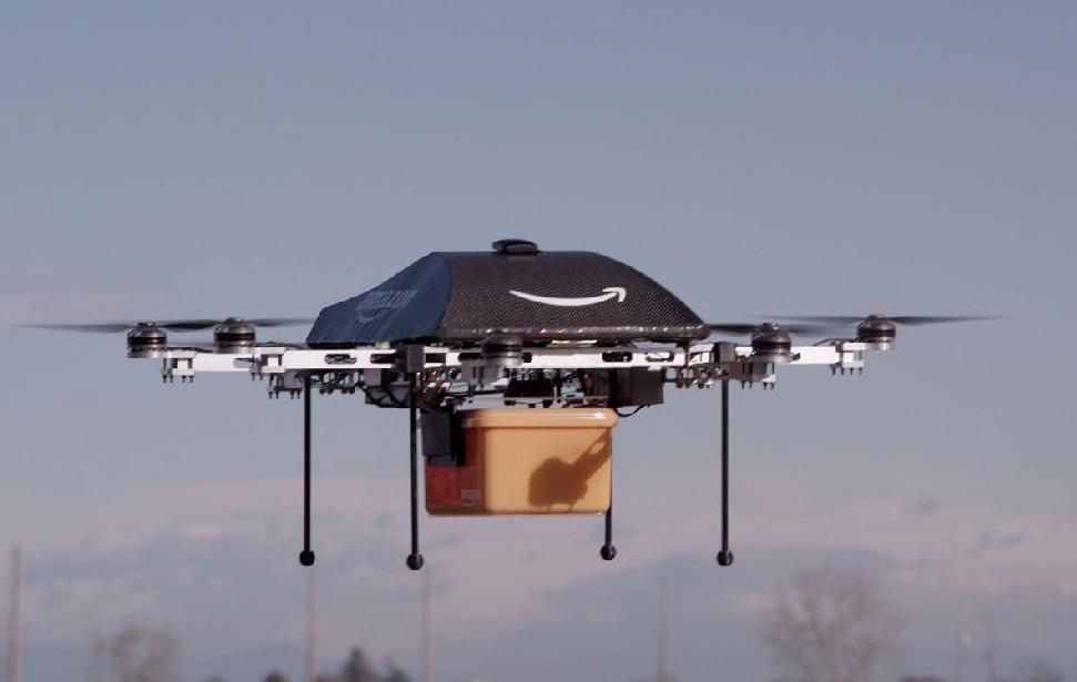 """El dron de reparto de Amazon """"espiará"""" a los clientes con fines publicitarios"""