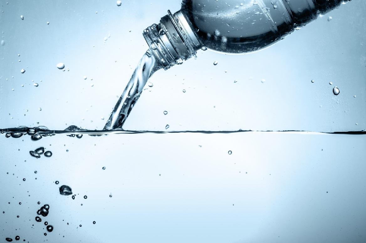 El futuro del consumo del agua pasa por una burbuja comestible