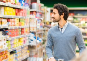 Consumidor en supermercado