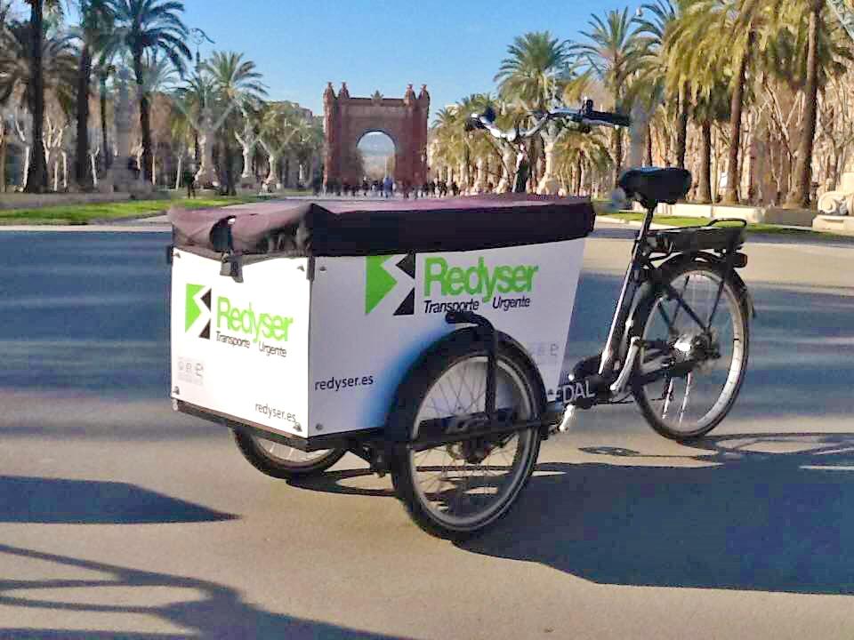 Redyser adquiere la empresa de entregas sostenibles Emakers