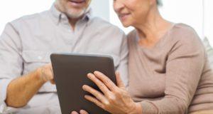 Mayores de 60 y apasionados por la tecnología: un nuevo perfil de consultor internacional