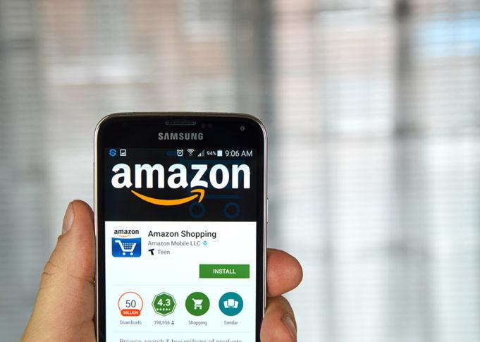 Teléfono móvil con aplicación de Amazon