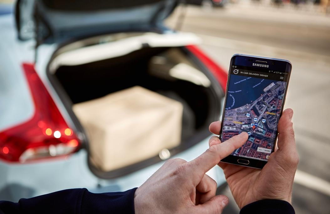Volvo se une a Urb-it para llevar la compra al coche en dos horas
