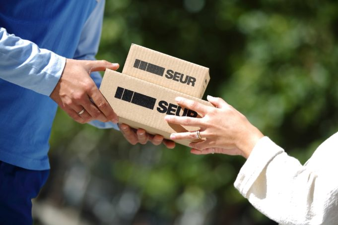 Seur estrena servicio de entregas súper urgentes en España
