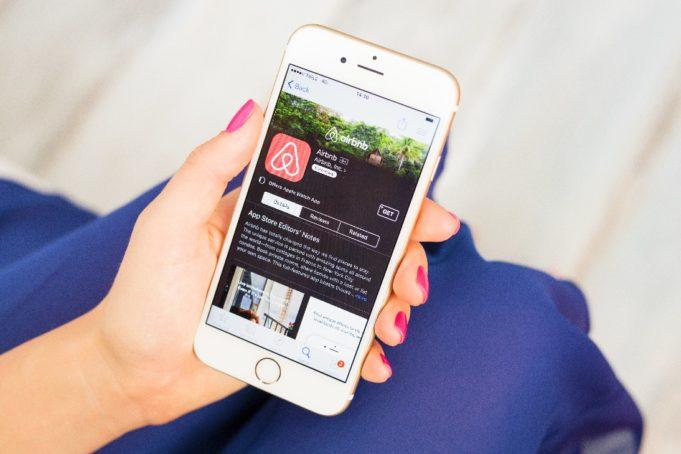 Airbnb entra en el segmento del lujo por 200 millones de dólares