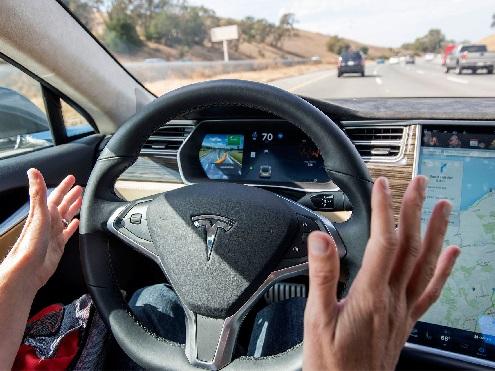 California abre la puerta a los coches autónomos sin conductor