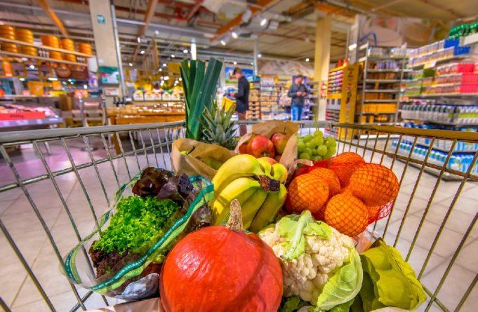Los supermercados cambian sus estrategias por el empuje del online