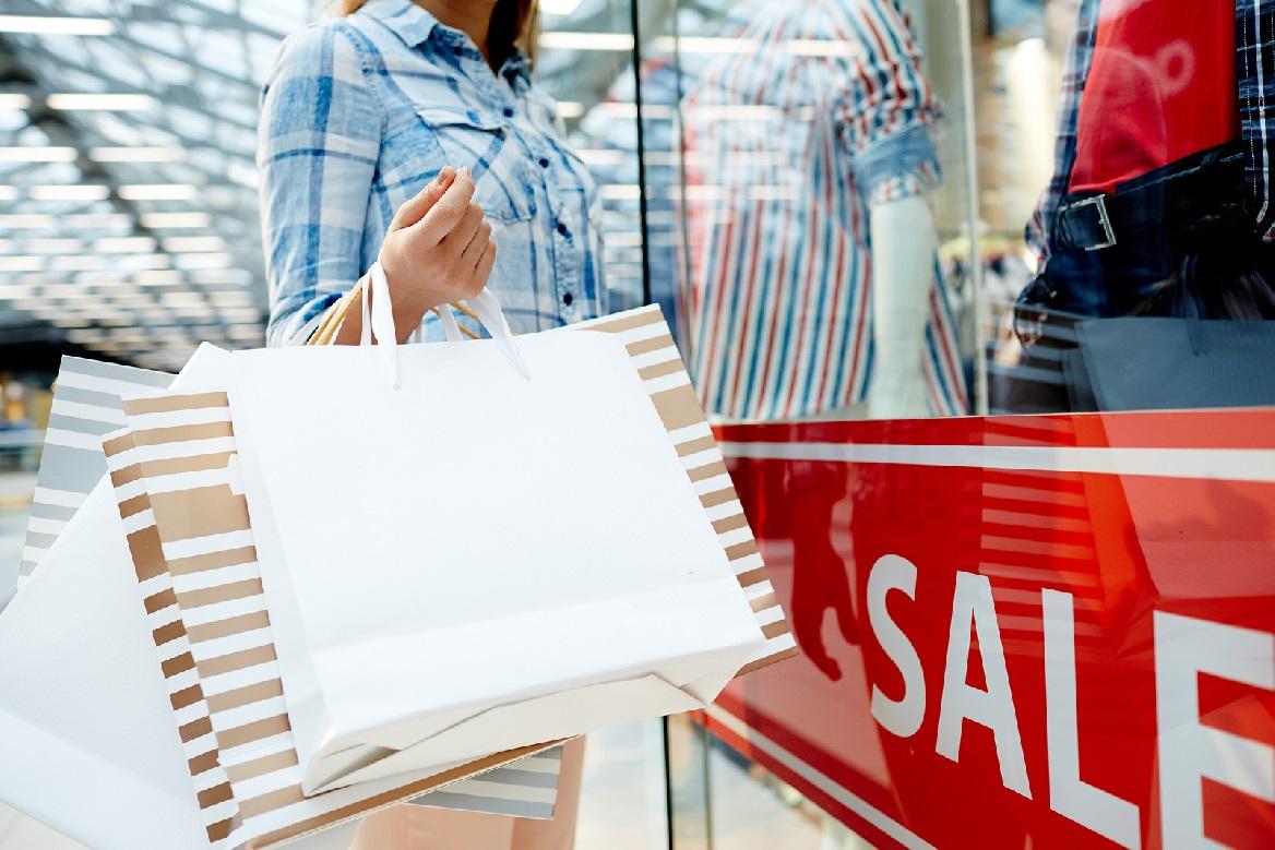 Los descuentos online debilitan las rebajas de las tiendas físicas
