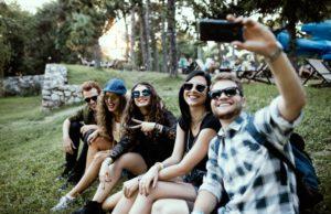 millennials paga+tarde
