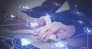 redes sociales servicios financieros hootsuite