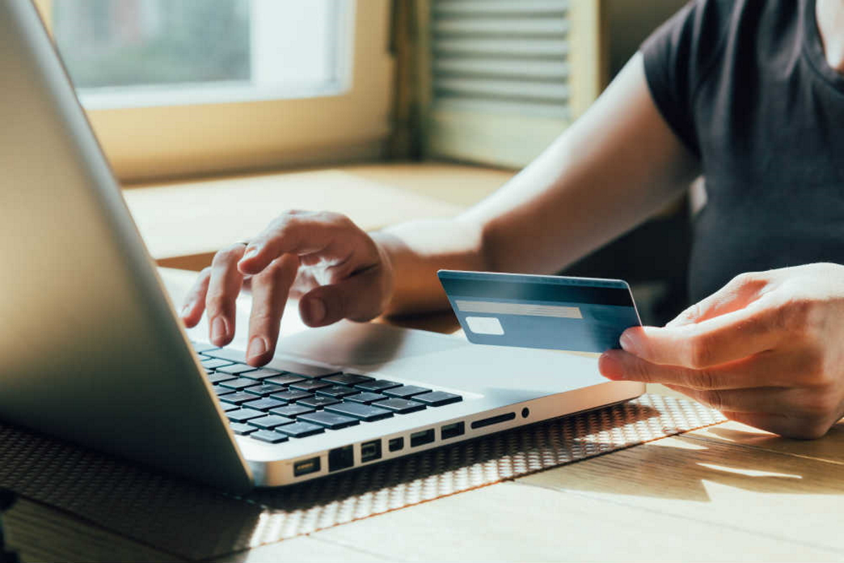 5 trenduri care vor influența magazinele e-commerce in - Blog galstudio.ro