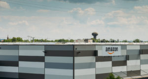 La justicia francesa limita la actividad de Amazon a productos básicos