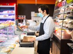 Los materiales sanitarios encargados para los empleados de los supermercados no llegan