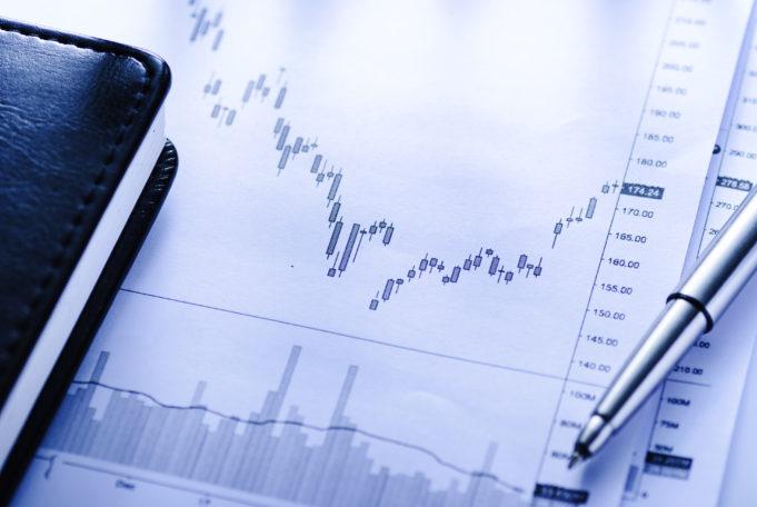 La cifra de negocio desciende en mayo un 33%, pese a una leve mejoría en la facturación