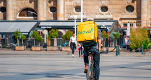 Glovo-Qcommerce-jpg.
