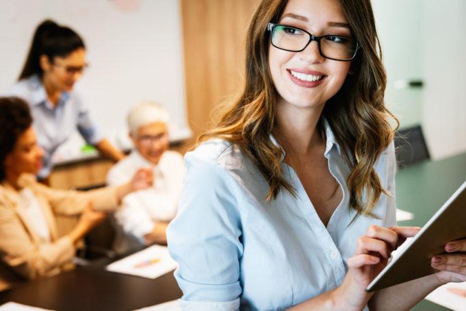trabajadores-cambio-de-compania-por-mejores-beneficios-sociales