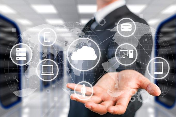 9-de-cada-10-companias-adoptara-herramientas-hibridas-multicloud-en-2024