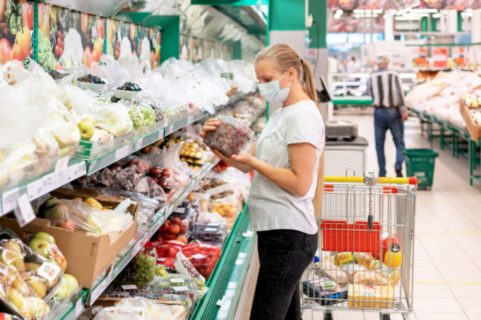 consumidores-espanoles-recuperan-confianza-sostienen-consumo