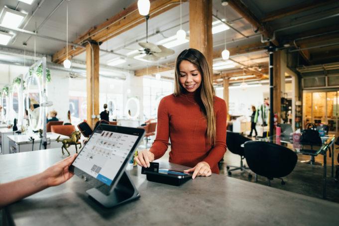 como-influye-tecnologia-perspectivas-ventas-2022-edve